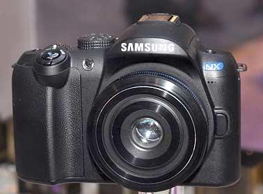 Prototipo de la primera Samsung NX en la PMA 2009. © QUESABESDE.COM